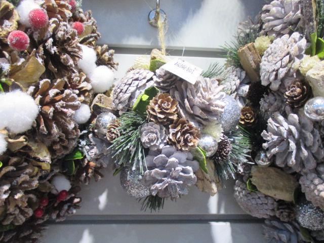 Novogodišnja dekoracija pineapples 14x14