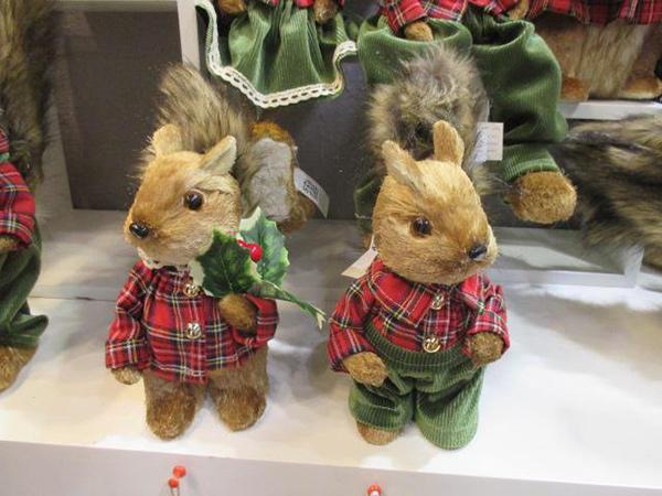 Novogodišnja figura veverica 12x15x25 2 modela