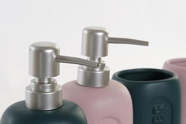 Set za kupatilo pink crni / 2 8x6,5x17 2 modela