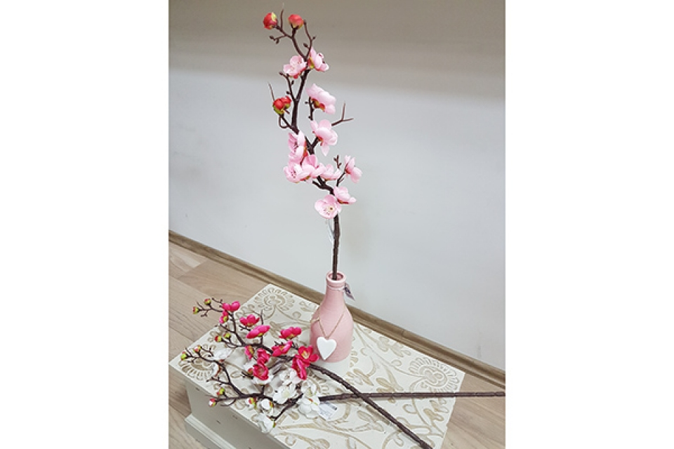 Cvet trešnjina grana 60 cm tri boje