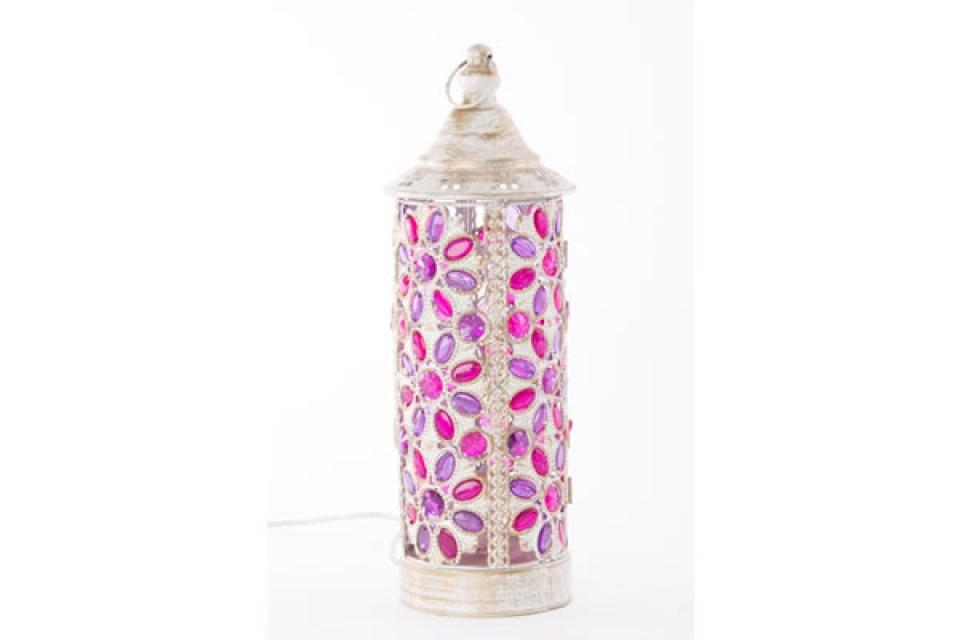 Lampa bela sa roze kamenčićima