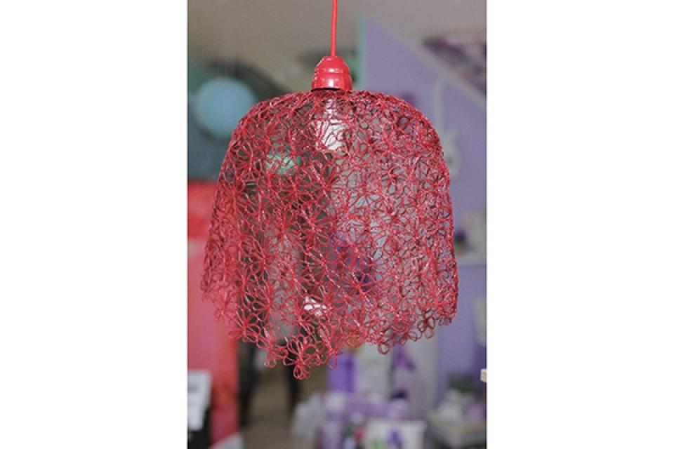 Luster od pletene žice 41x41cm crveni