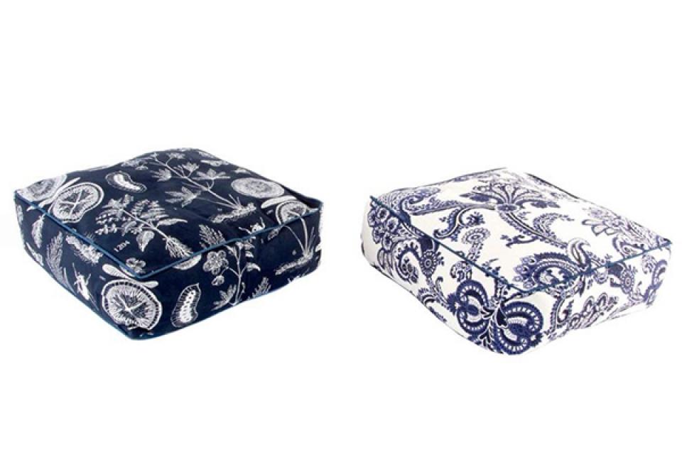 Plavo beli podni jastuk 45x45x15 2 boje