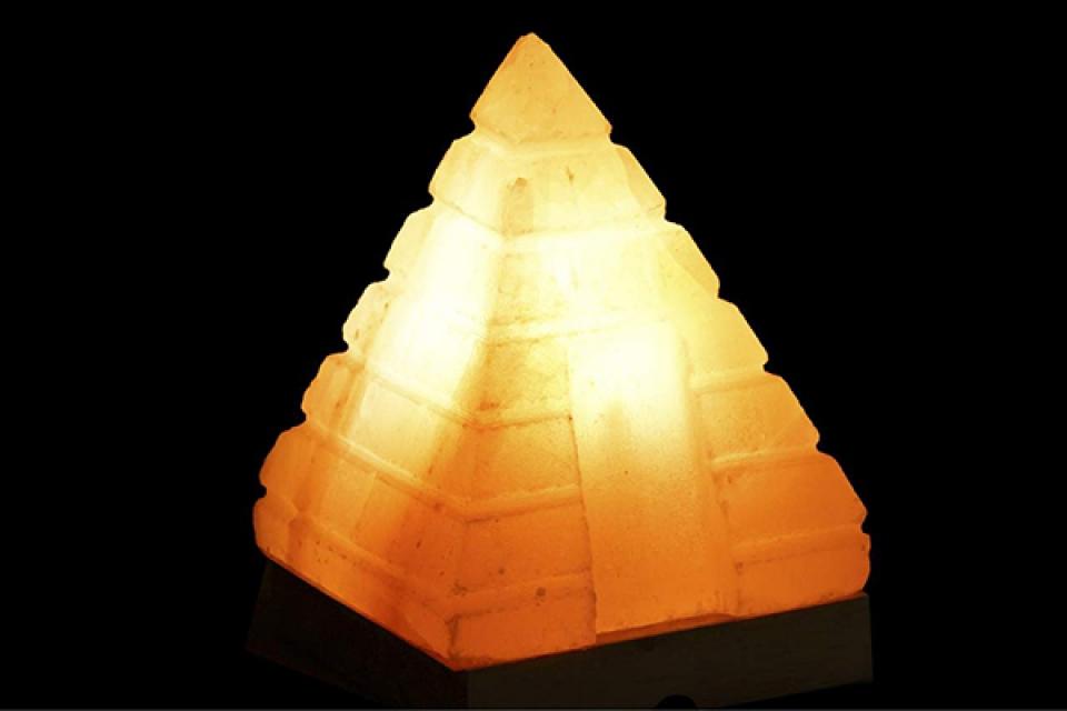 Slana lampa pirmida 13x13x18