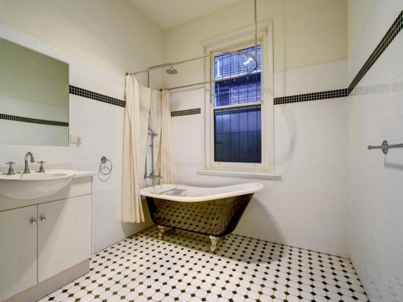 oprema za kupatilo i kupatilski namestaj u retro stilu